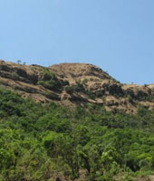 Offbeat Trek To Madhu Makarandgad